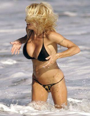 Pamela Anderson - 51